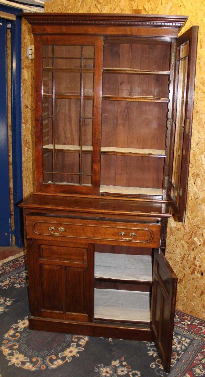 Libreria vintage a due ante in legno di noce massiccio in ...
