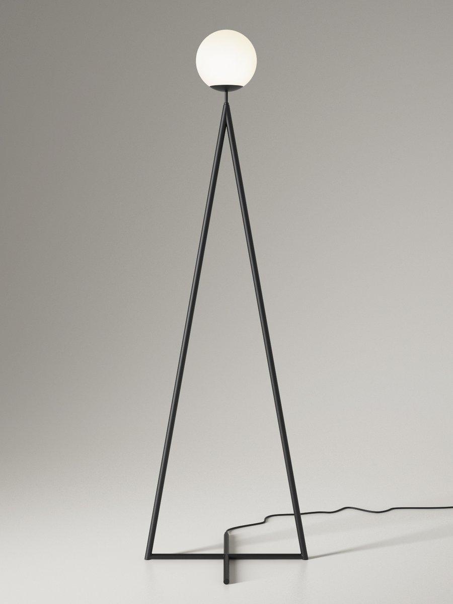 One Globe Stehlampe von Atelier Areti
