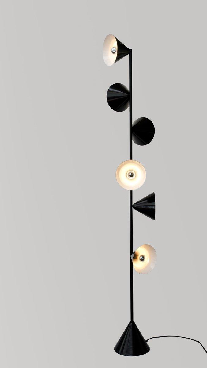 Vertikale 1 Stehlampe von Atelier Areti