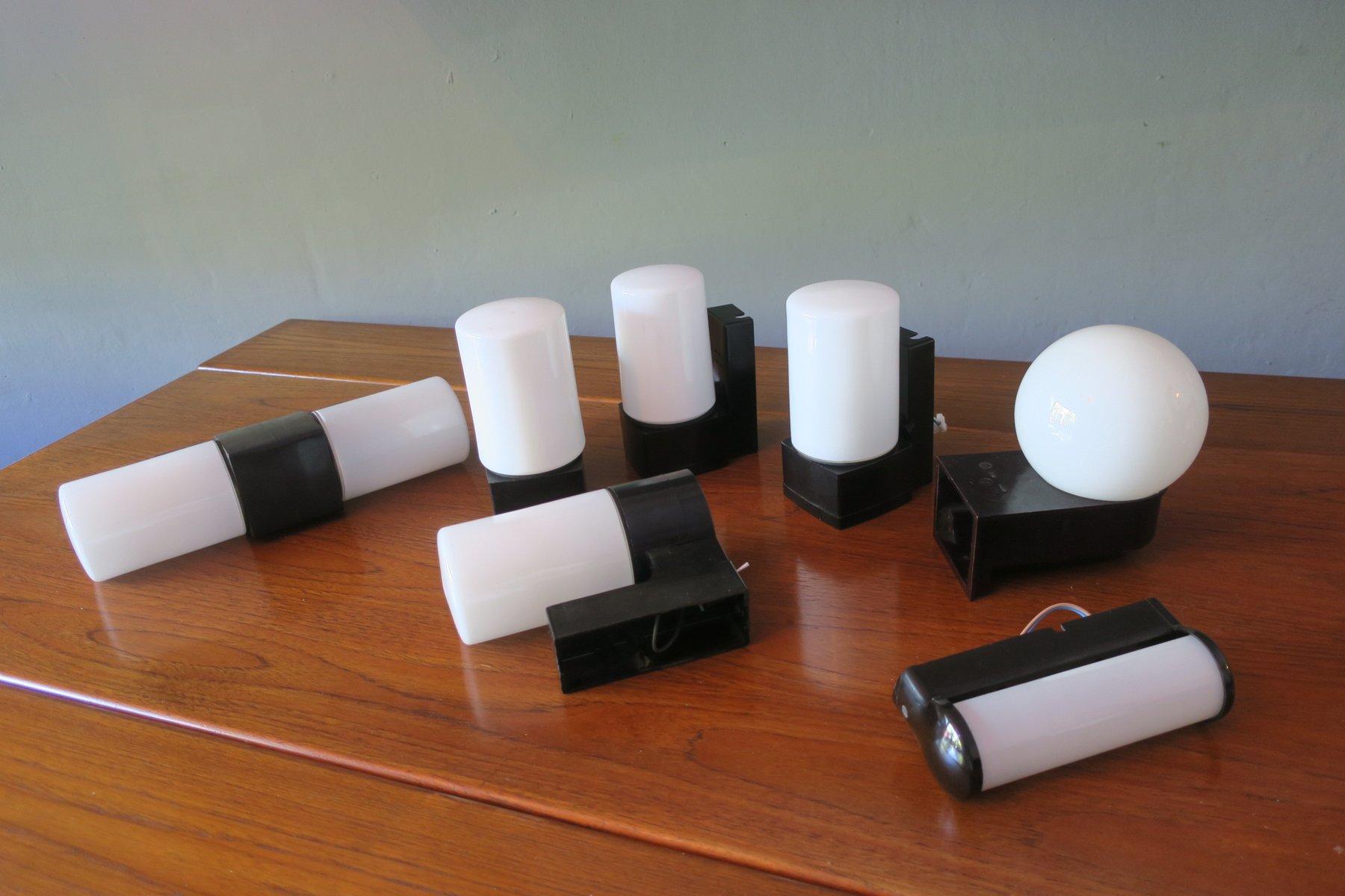 Bauhaus Bakelit & Milchglas Wandlampen, 1930er, 7er Set