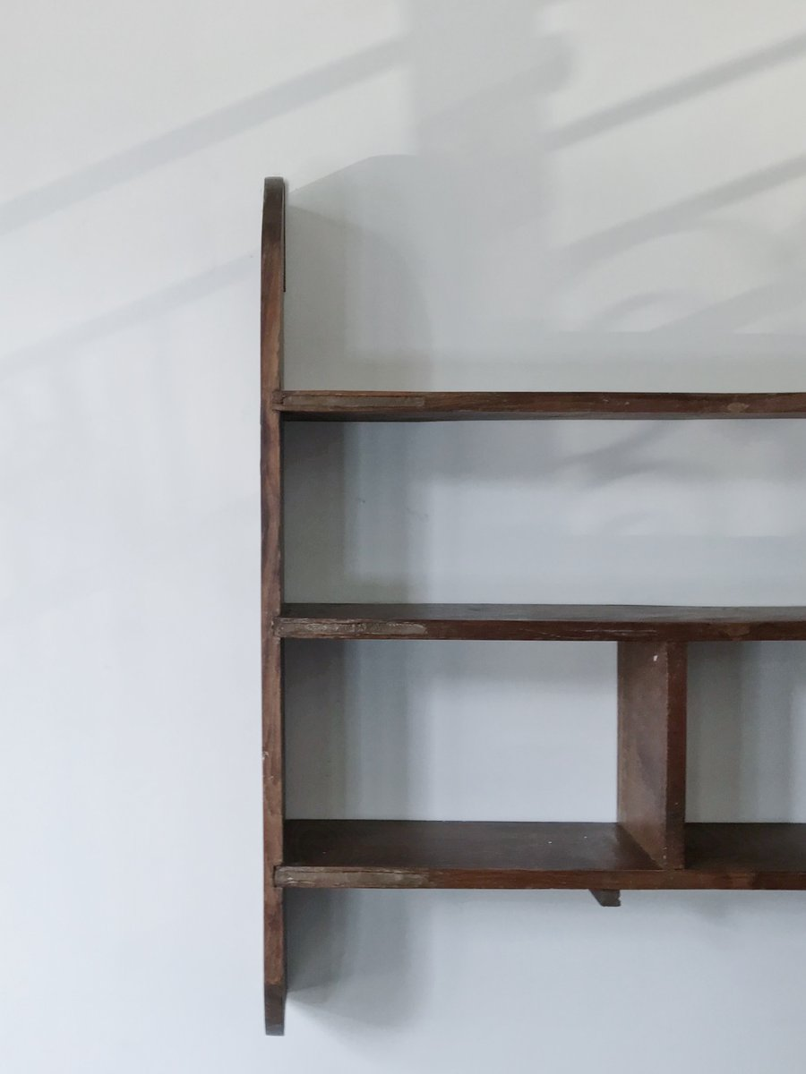 wandregal aus holz 1950er bei pamono kaufen. Black Bedroom Furniture Sets. Home Design Ideas
