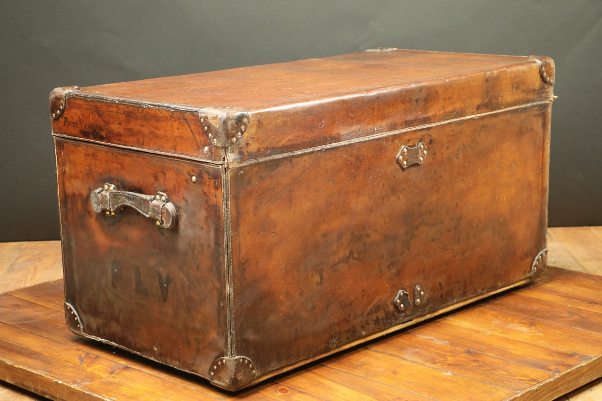 Large Vintage Leather Trunk From Louis Vuitton For Sale Pamono