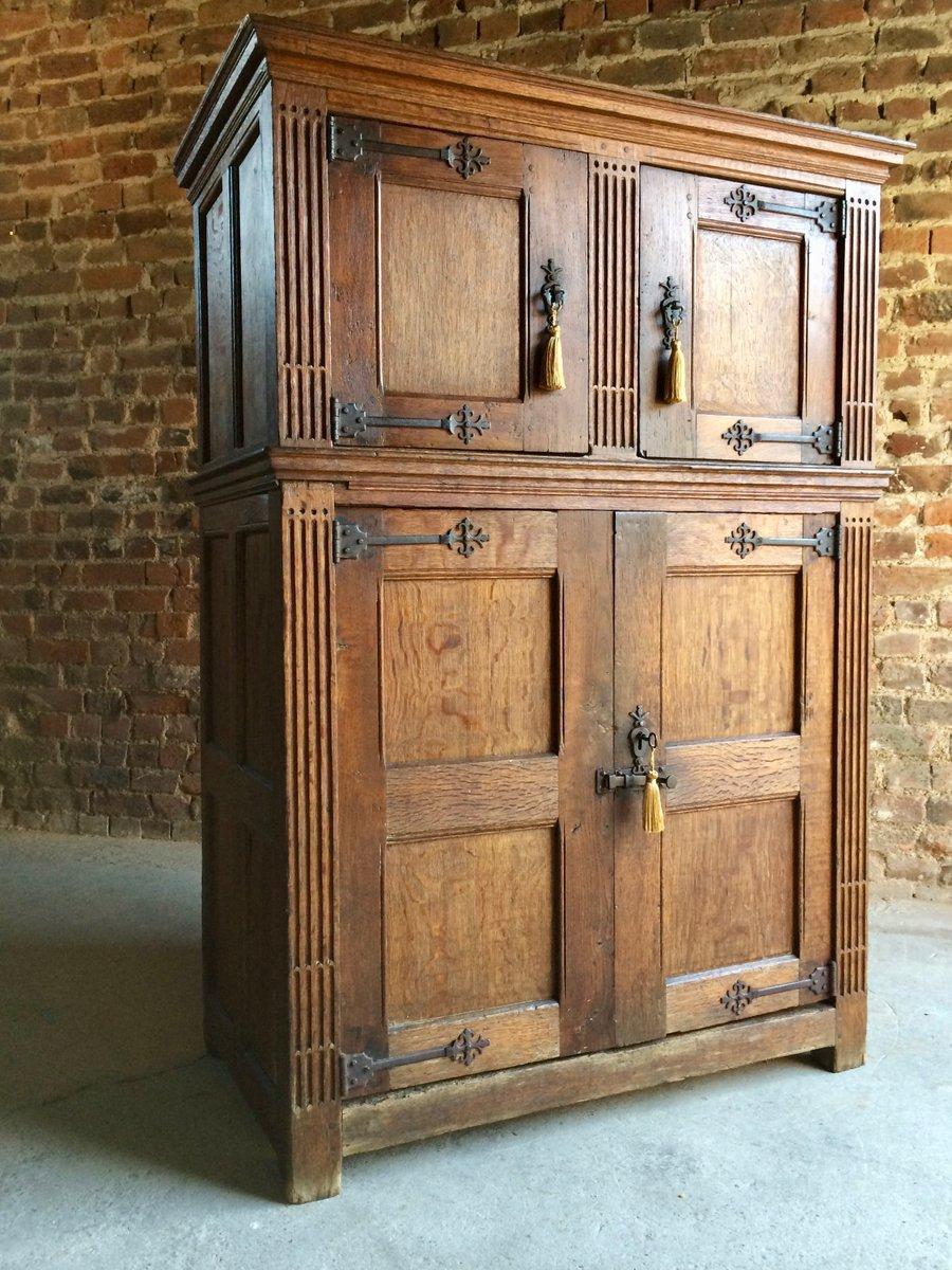 Antique Court Cupboard in Solid Oak, 1790s - Antique Court Cupboard In Solid Oak, 1790s For Sale At Pamono