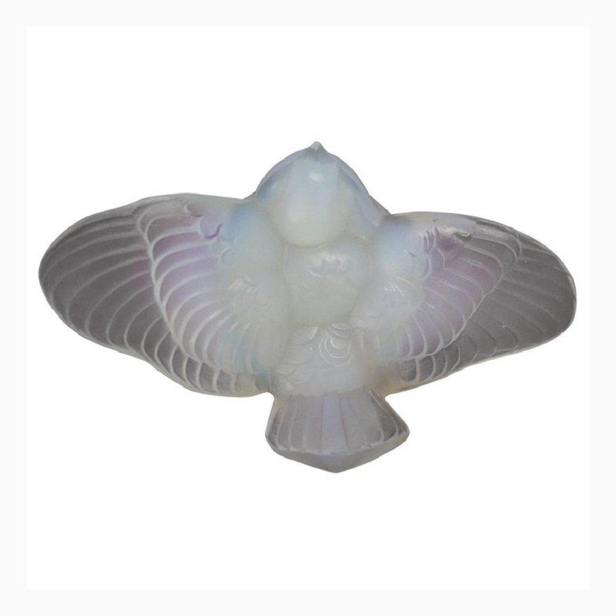 Kleiner Vogel aus Opalglas von Ernest Marius Sa...