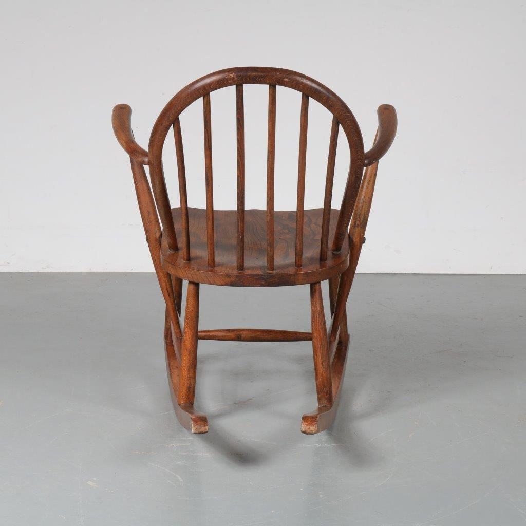 Skandinavischer schaukelstuhl aus eiche 1940er bei pamono for Skandinavischer schaukelstuhl