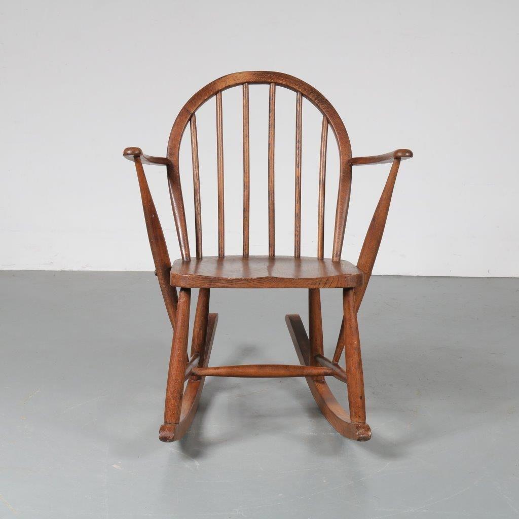 rocking chair scandinave en ch ne 1940s en vente sur pamono. Black Bedroom Furniture Sets. Home Design Ideas