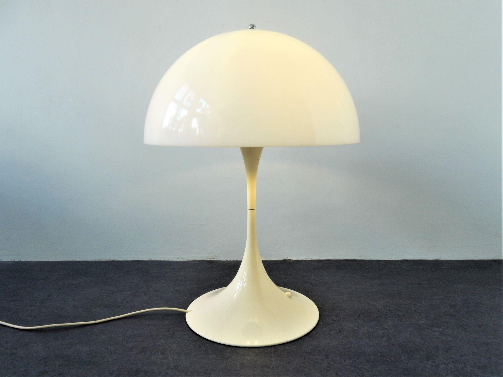 Weiße Model 23430 XL Panthella Tischlampe von Verner Panton für Louis ...
