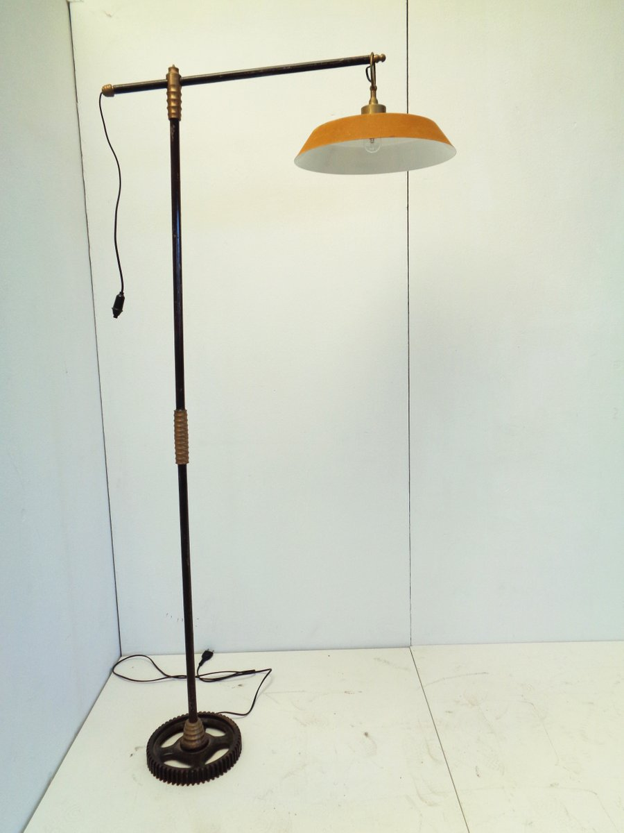 Industrielle Stehlampe aus Metall & Messing, 1950er