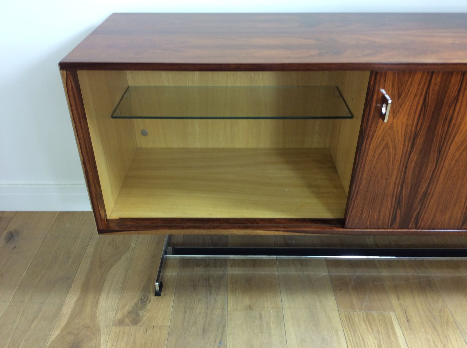 Rosewood& Chrome Sideboard by Richard Young for Merrow Associates, 1970s for sale at Pamono