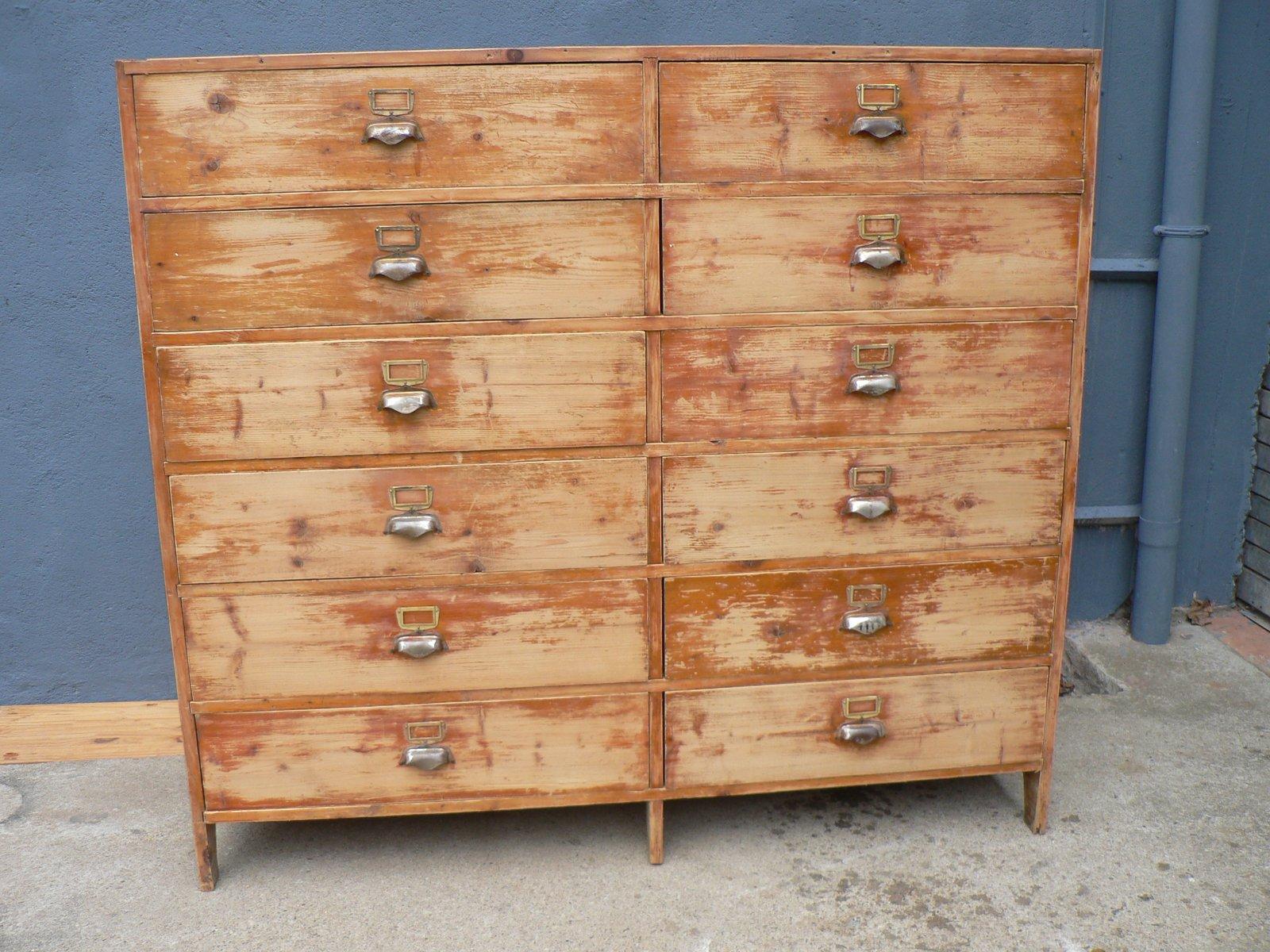 vintage schrank mit 12 t ren bei pamono kaufen. Black Bedroom Furniture Sets. Home Design Ideas