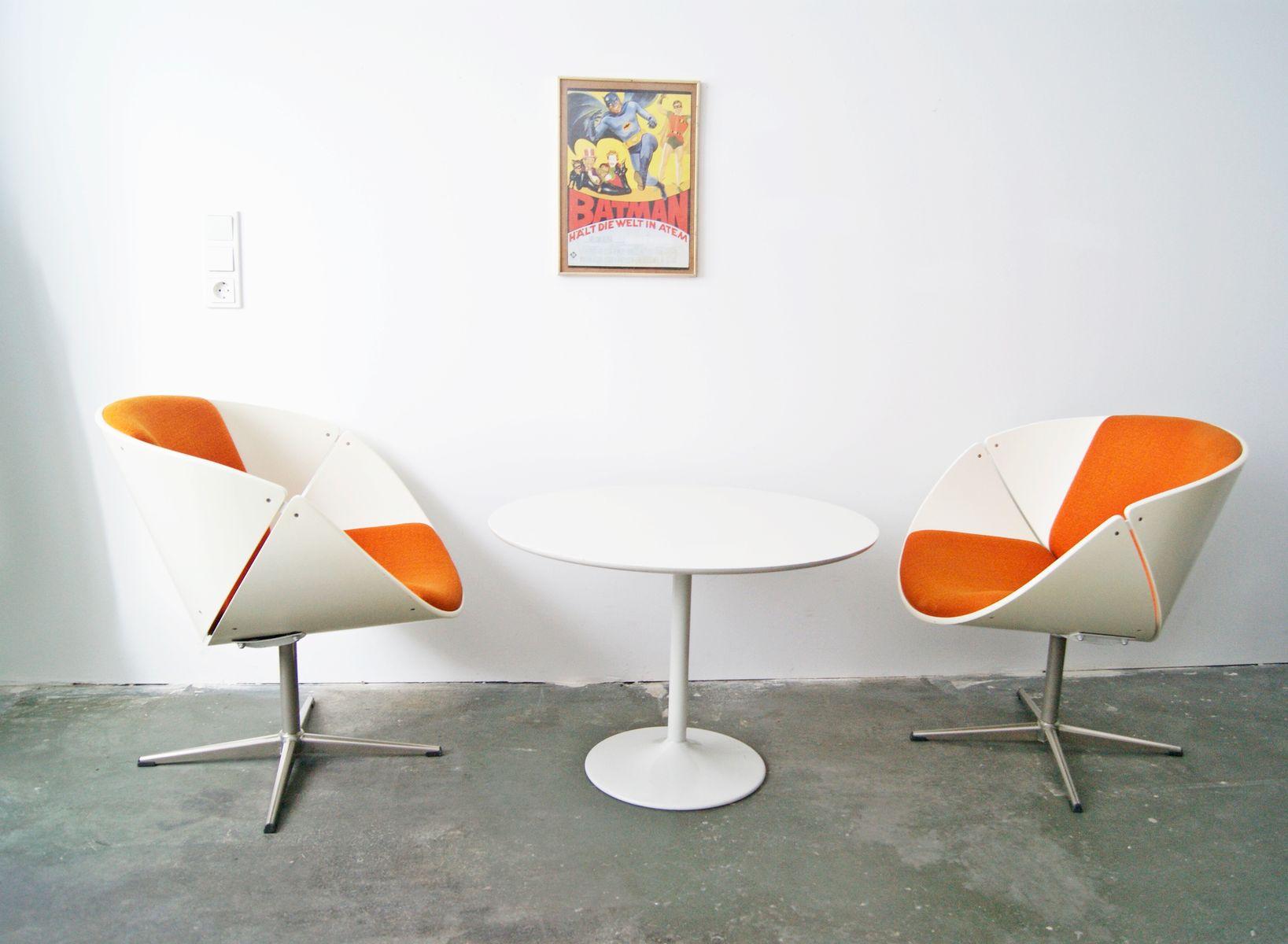 Vintage 2 Shell Chairs U0026 Tulip Table