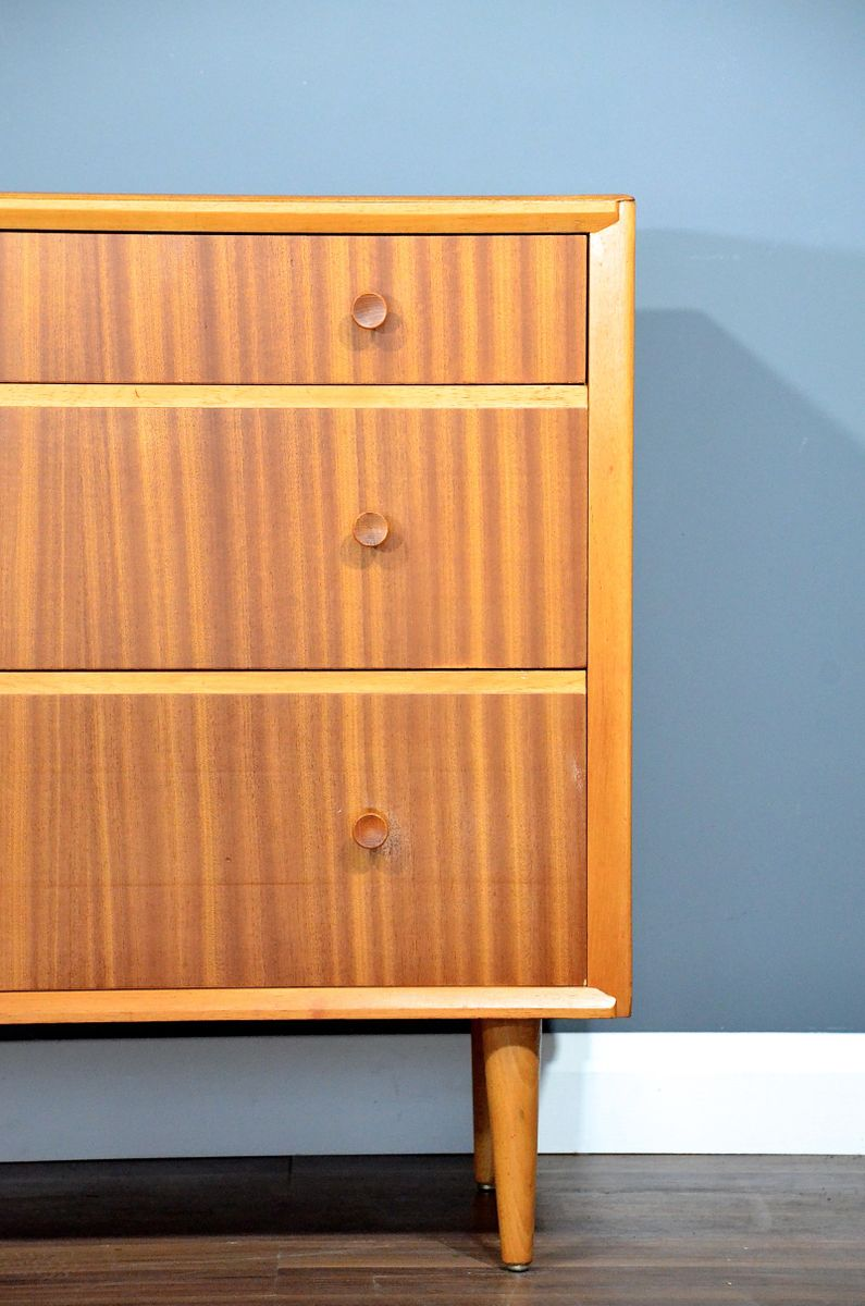 mid century oak chest of drawers 1960s for sale at pamono. Black Bedroom Furniture Sets. Home Design Ideas