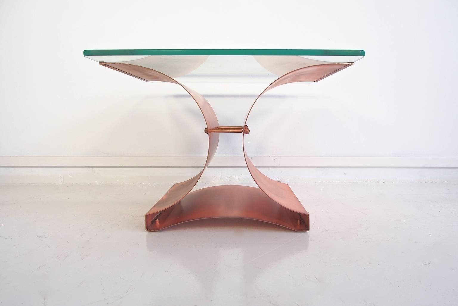 Brutalistischer Kupfer & Glas Couchtisch, 1970er