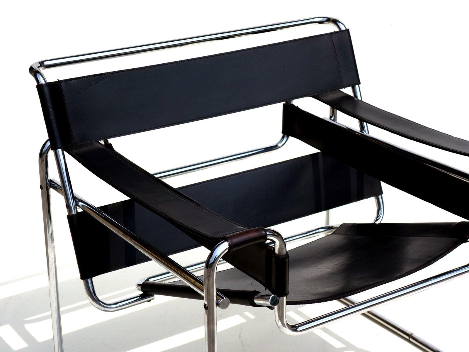 Chaise Wassily Bauhaus En Cuir Noir Par Marcel Breuer Pour Gavina 1960s
