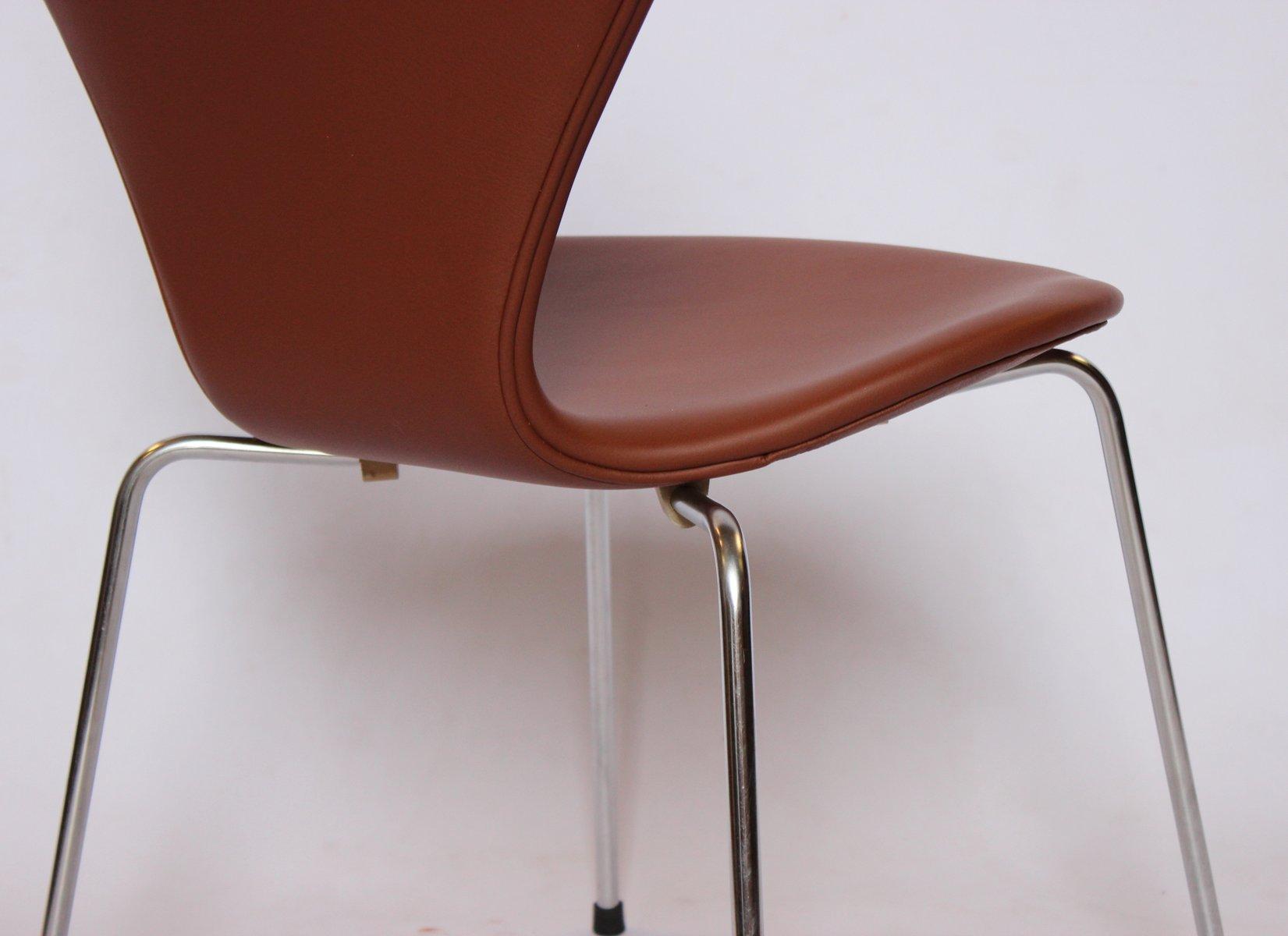 Sedie modello 3107 in pelle di Arne Jacobsen per Fritz ...