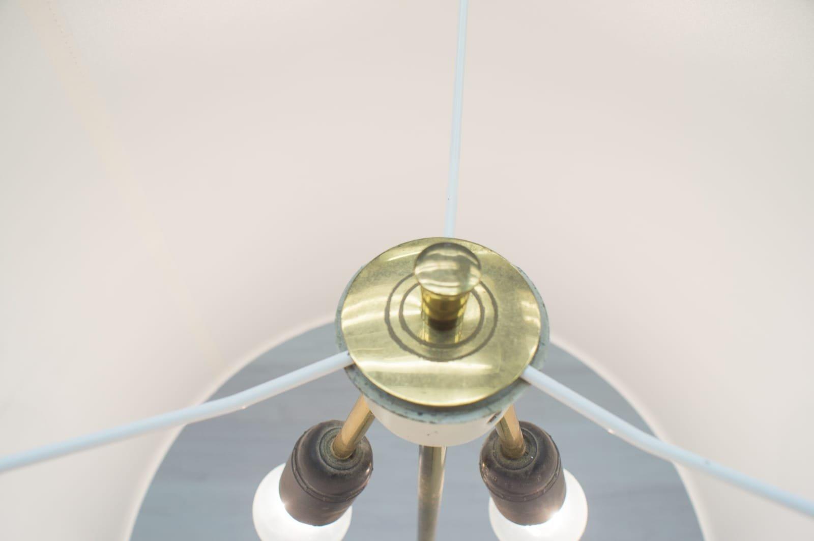 Vintage Brass Tripod Floor Lamp 1960s En Vente Sur Pamono