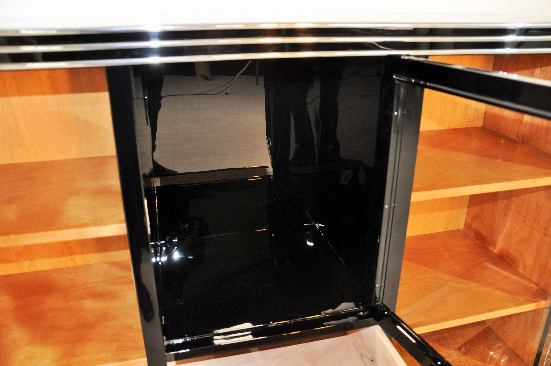 art deco sideboard mit vitrine chromgriffen 1920er bei pamono kaufen. Black Bedroom Furniture Sets. Home Design Ideas
