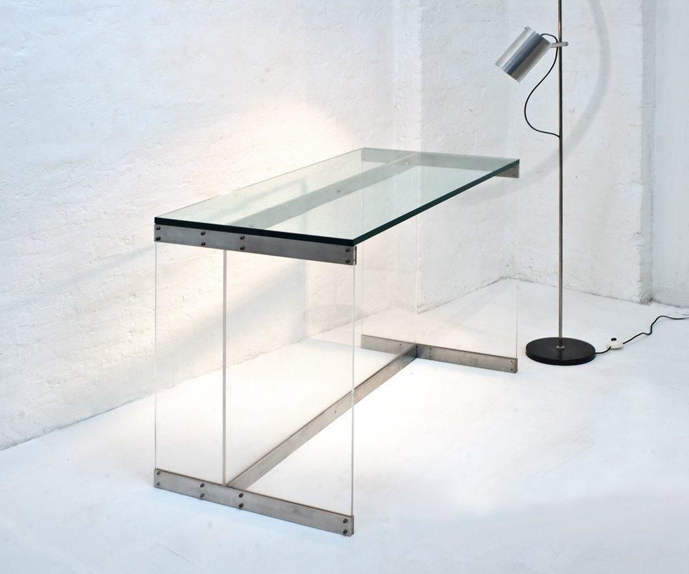 Italienischer tisch mit sockel aus plexiglas schwerer for Plexiglas tisch design