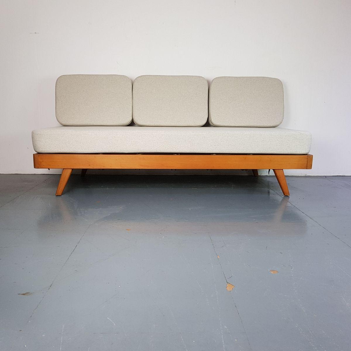 d nisches vintage 3 sitzer schlafsofa mit hellgrauem bezug bei pamono kaufen. Black Bedroom Furniture Sets. Home Design Ideas