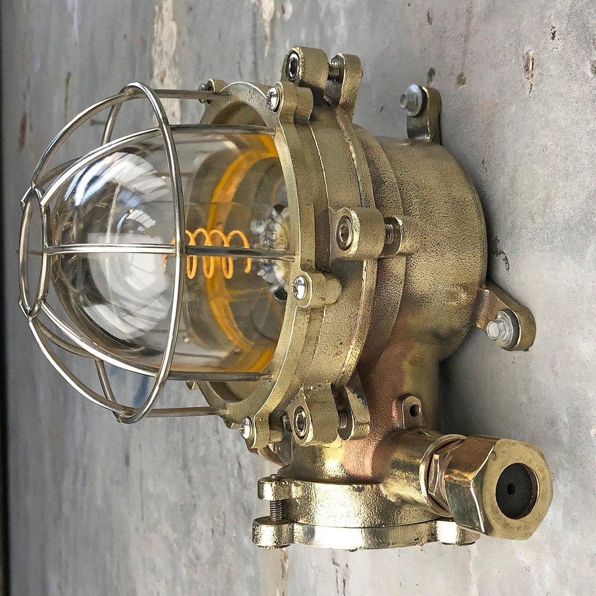 Japanische Lampe von Shanghai Liangzhou Lamp Manufacturing Co. Ltd, 19...