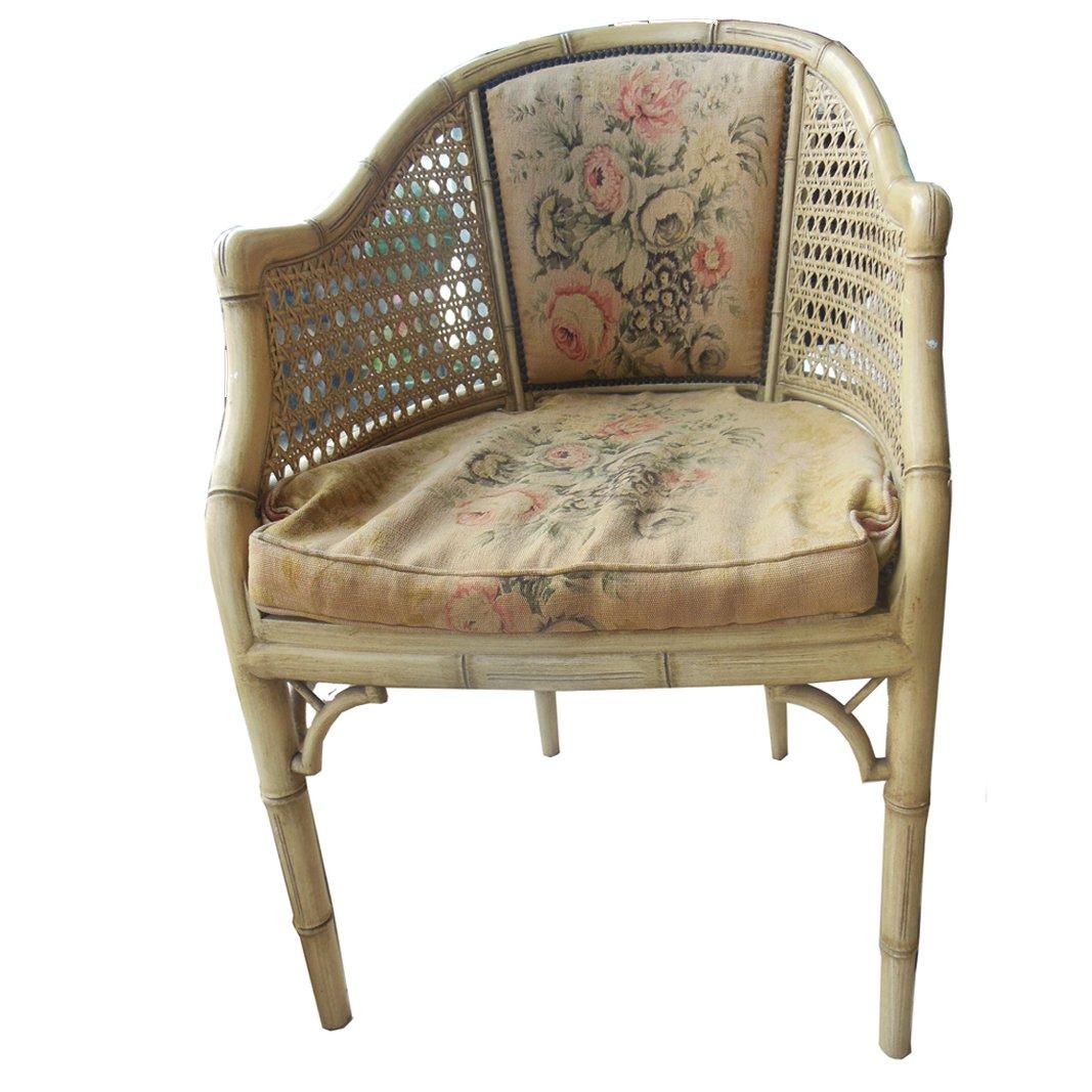 Cremefarben lackierter Vintage Stuhl aus Kunstbambus in Fassform