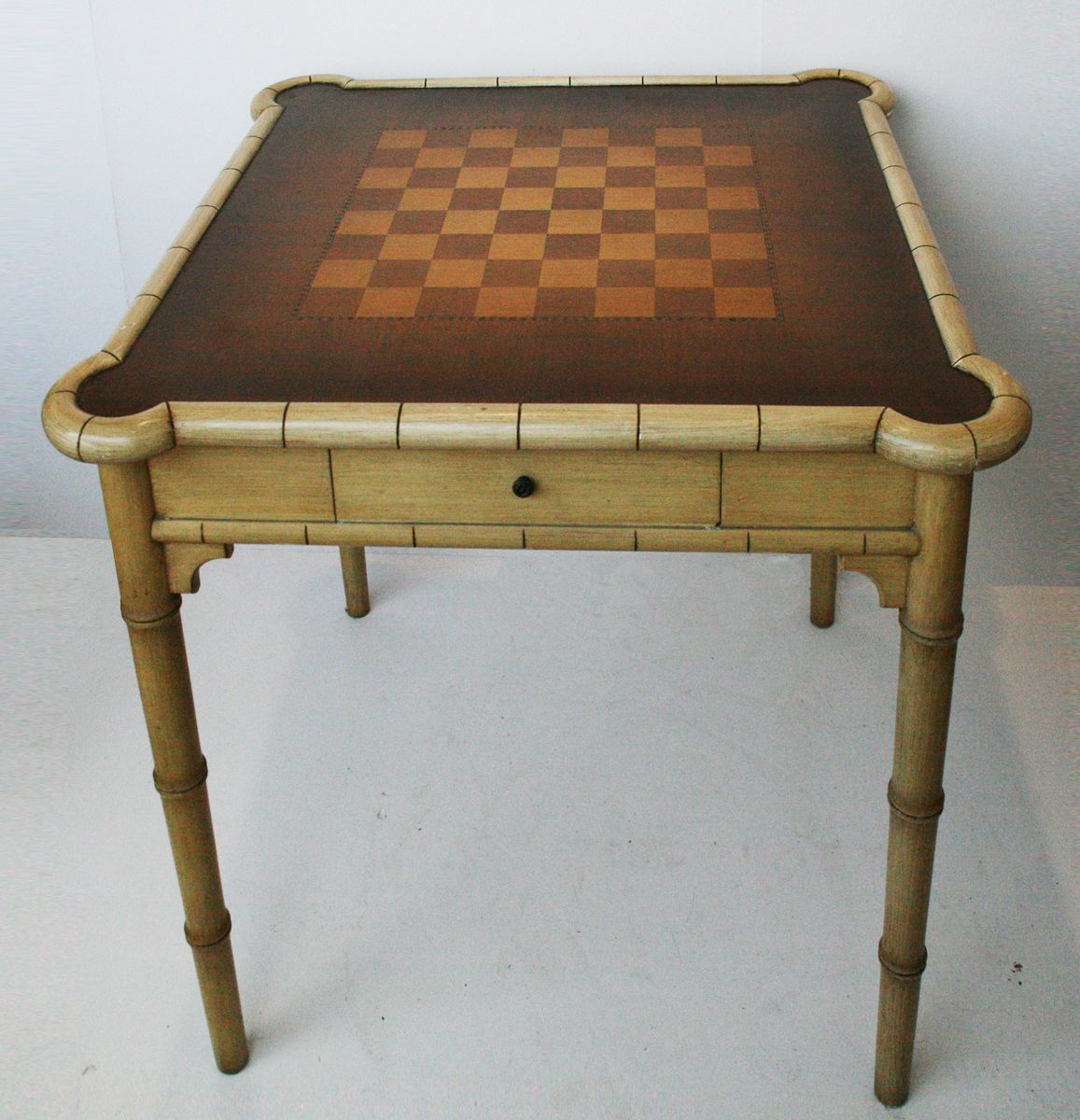 Incroyable Vintage Lacquered Game Table