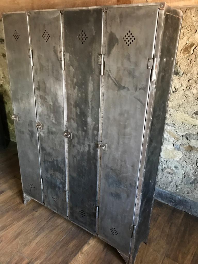industrielle vintage spinde aus metall bei pamono kaufen. Black Bedroom Furniture Sets. Home Design Ideas