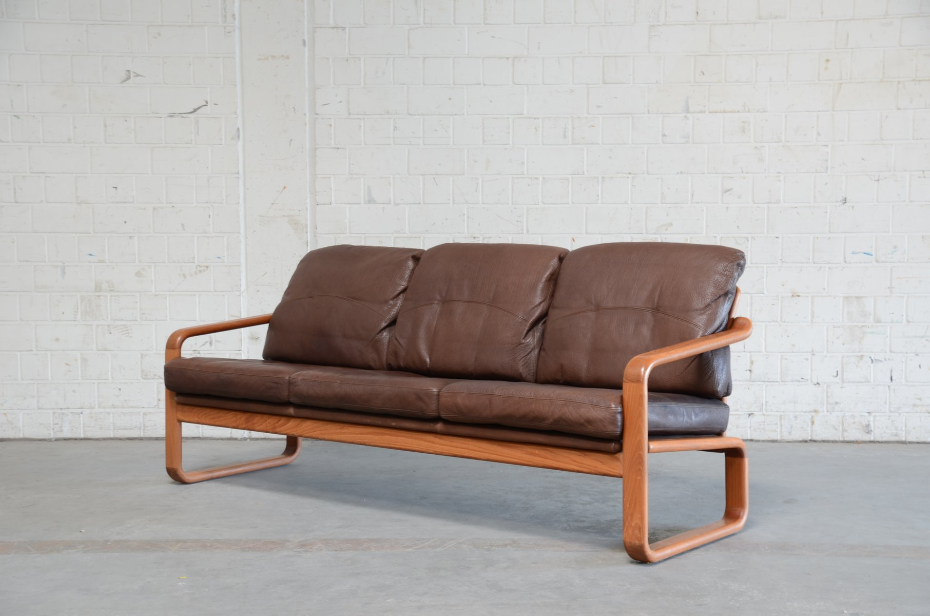 vintage sofa aus braunem leder teak von m belfabrik holstebro bei pamono kaufen. Black Bedroom Furniture Sets. Home Design Ideas