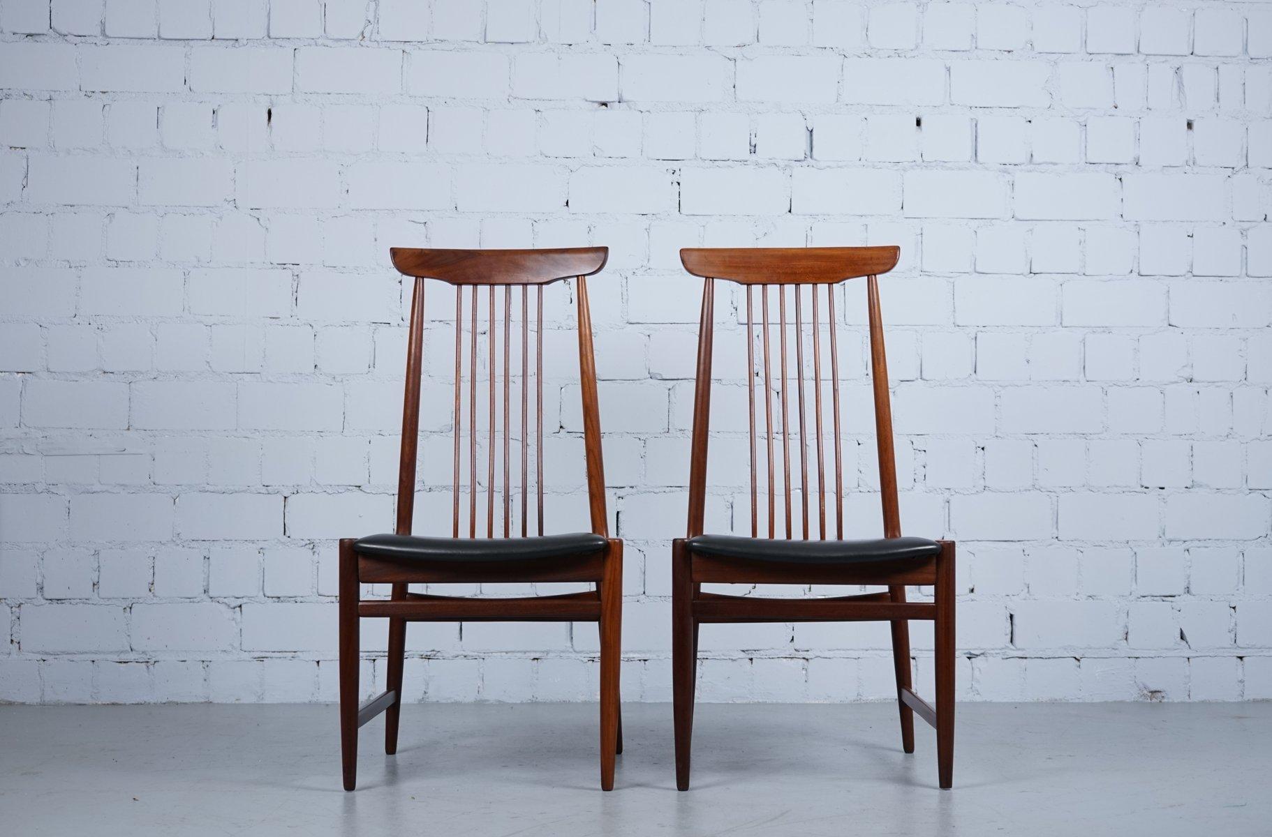 Mid-Century Sessel aus Teak mit schwarzem Kunstleder, 1960er, 2er Set