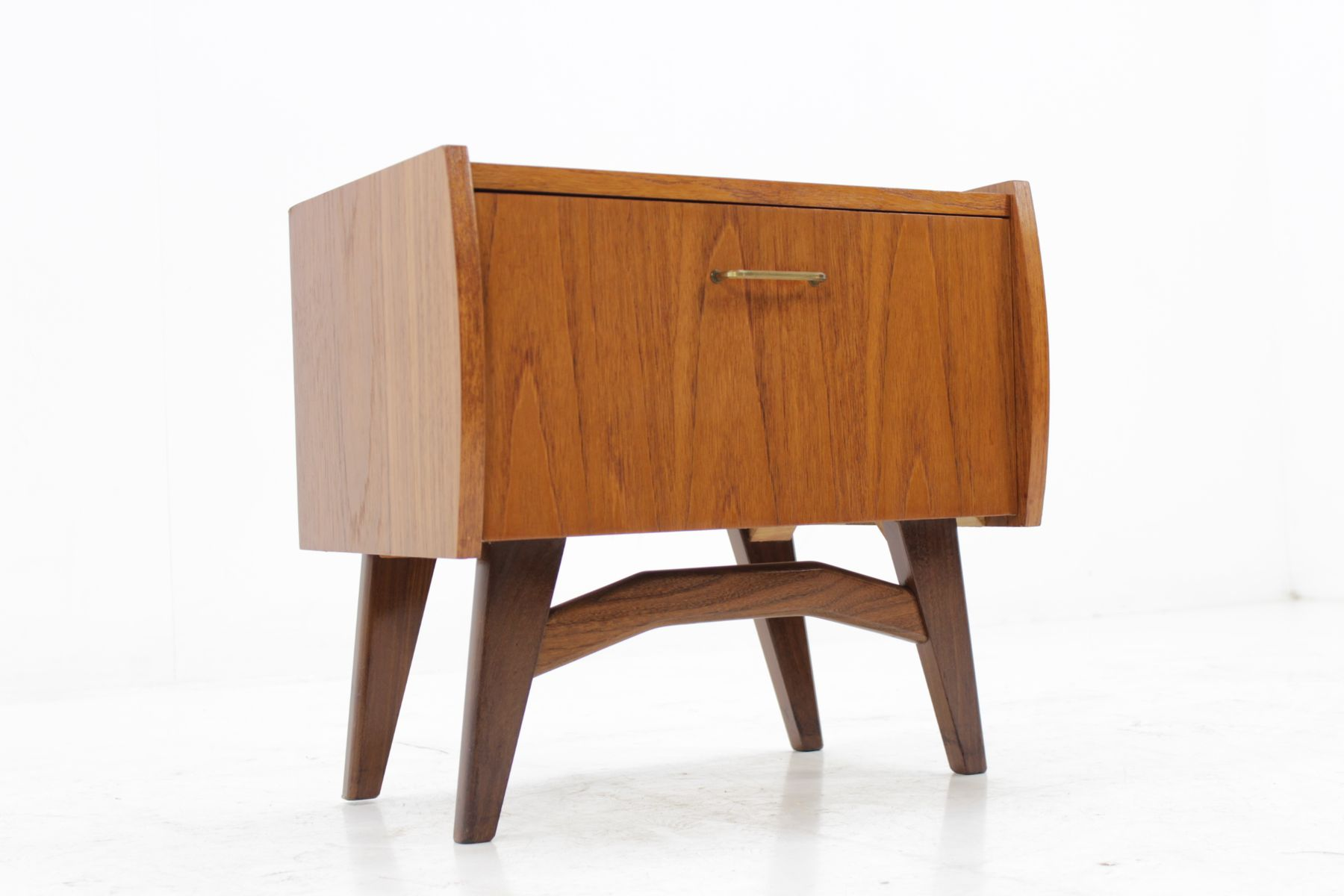Small Danish Teak Side Table 1960s For Sale At Pamono