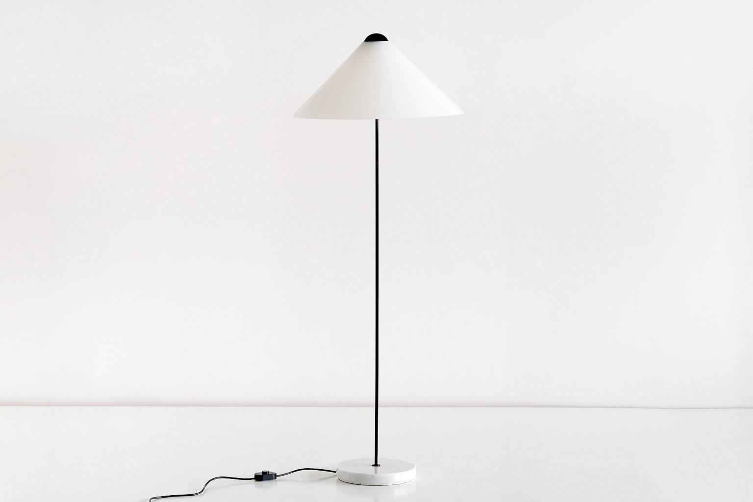 Snow Stehlampe von Vico Magistretti für Oluce, 1973