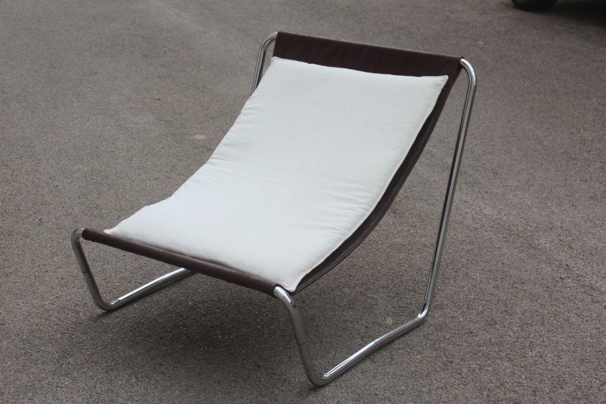 Italienischer Minimalistischer Armlehnstuhl, 1970er