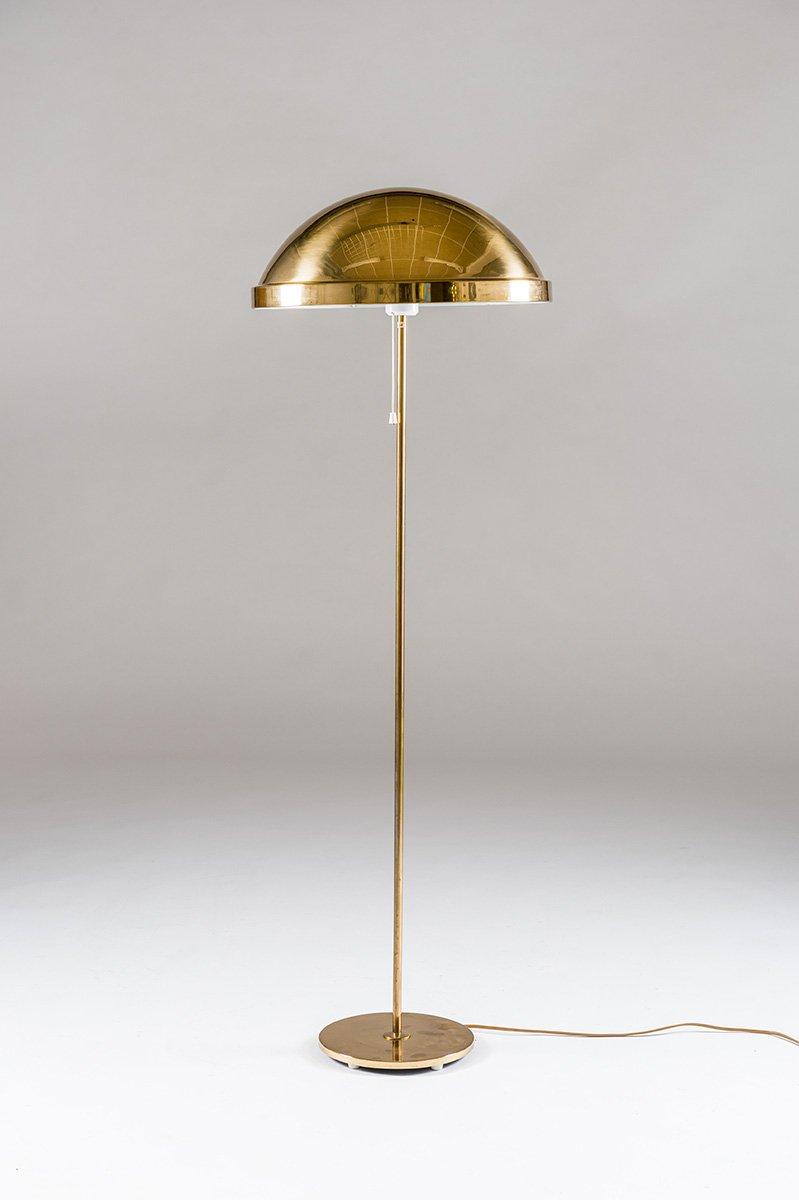 Skandinavische Messing Stehlampe von Eje Ahlgren für Bergboms, 1970er
