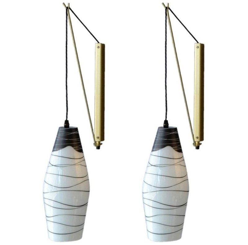Tschechische Mid-Century Glas Wandlampen in Schwarz & Weiß, 2er Set