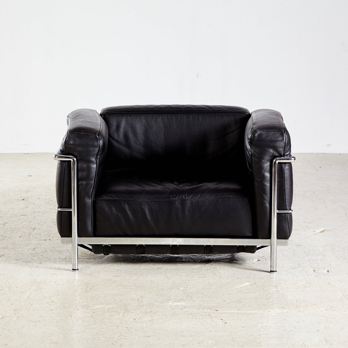 vintage lc3 sessel von le corbusier f r cassina bei pamono kaufen. Black Bedroom Furniture Sets. Home Design Ideas