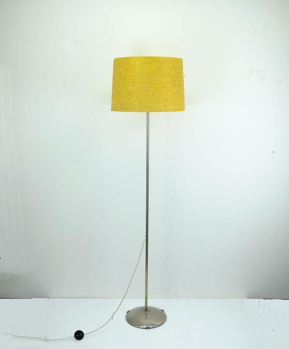 Vernickelte Stehlampe aus Fiberglas, 1960er