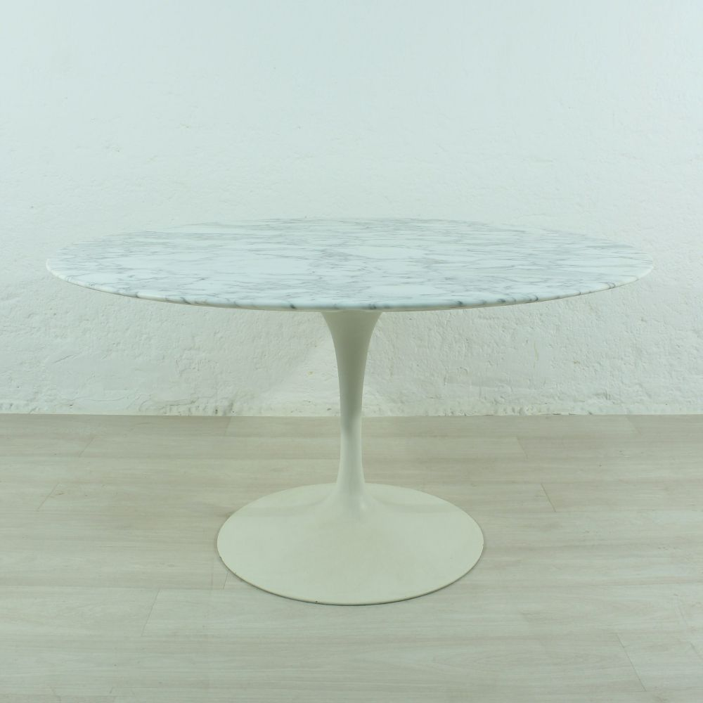 Tulip Dining Table by Eero Saarinen for Knoll International, 1960s ...