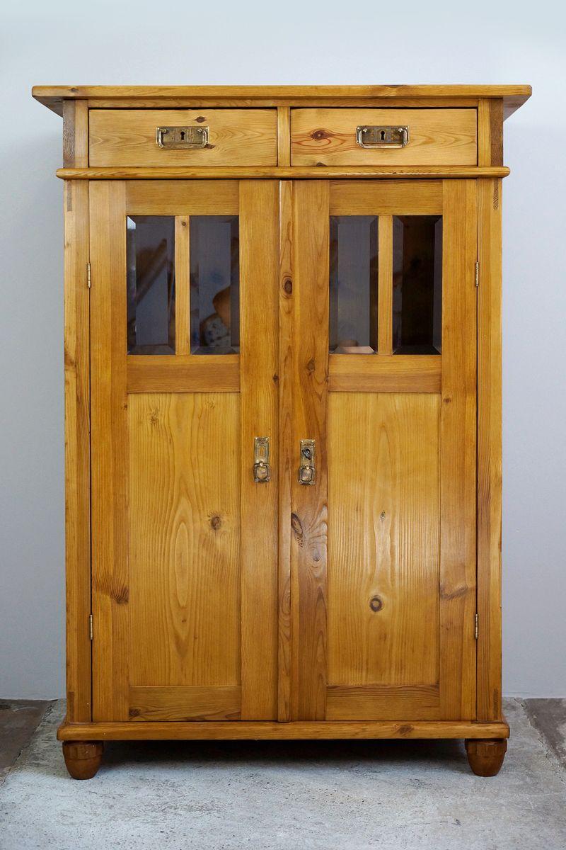 art deco schrank mit facettiertem glas 1920er bei pamono kaufen. Black Bedroom Furniture Sets. Home Design Ideas