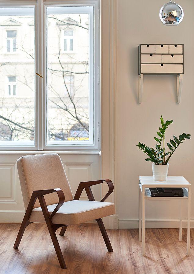 Aurora polsterstuhl in beigfarbener wolle von hunik design for Polsterstuhl design