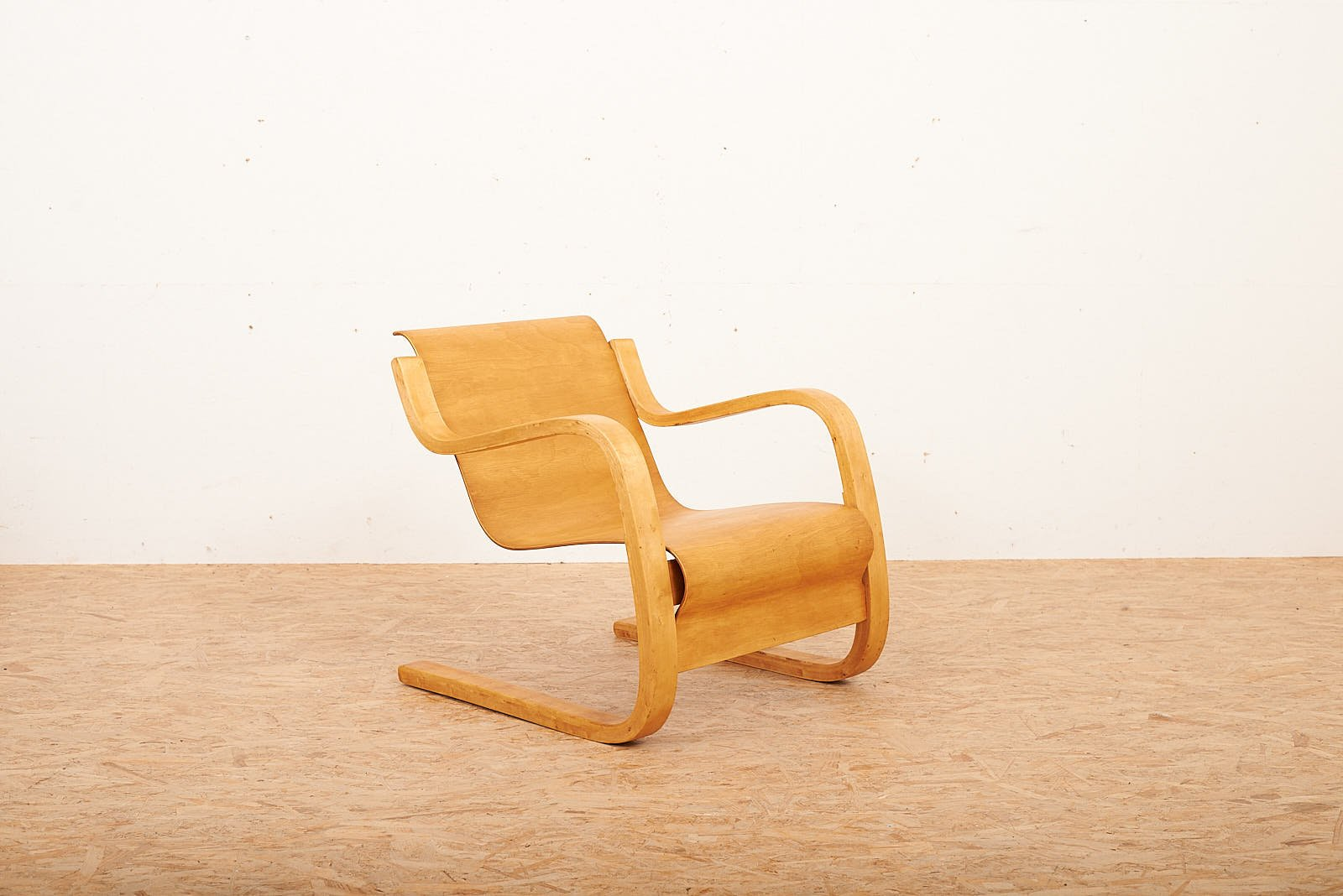 Chaise Cantilever Modle 31 Par Alvar Aalto Pour Wohnbedarf 1932