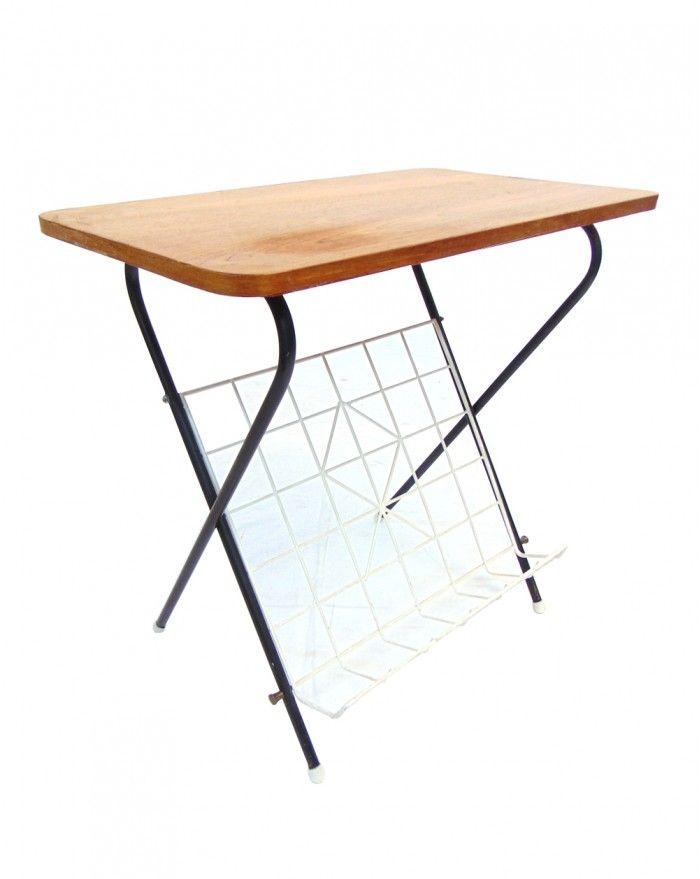 beistelltisch aus teak mit zeitschriftenst nder aus metall 1960er bei pamono kaufen. Black Bedroom Furniture Sets. Home Design Ideas