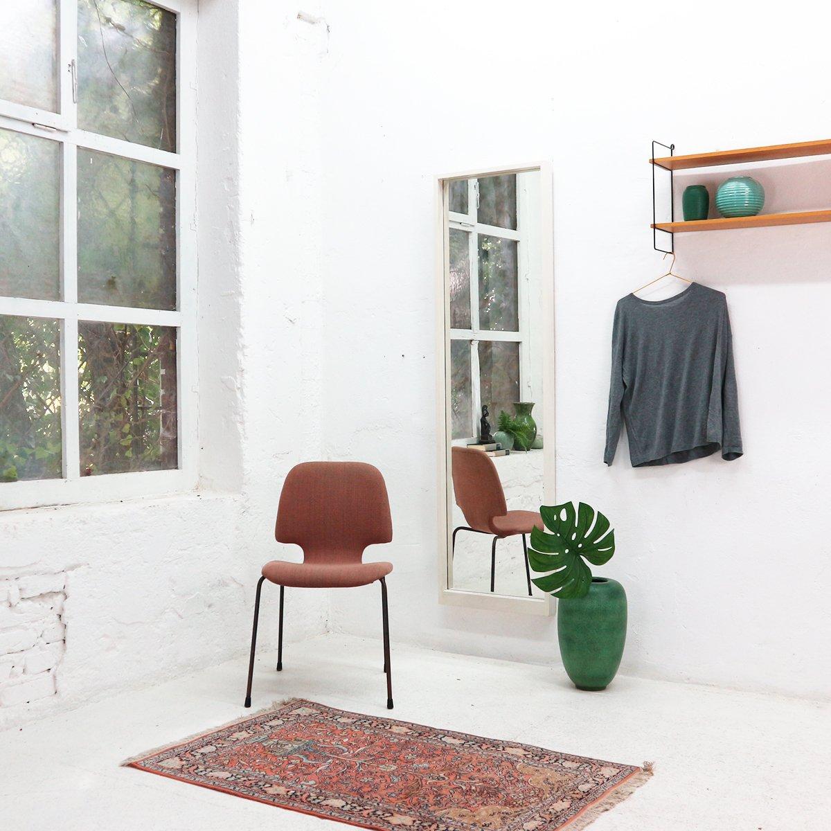 gro er wandspiegel mit wei em rahmen 1960er bei pamono kaufen. Black Bedroom Furniture Sets. Home Design Ideas