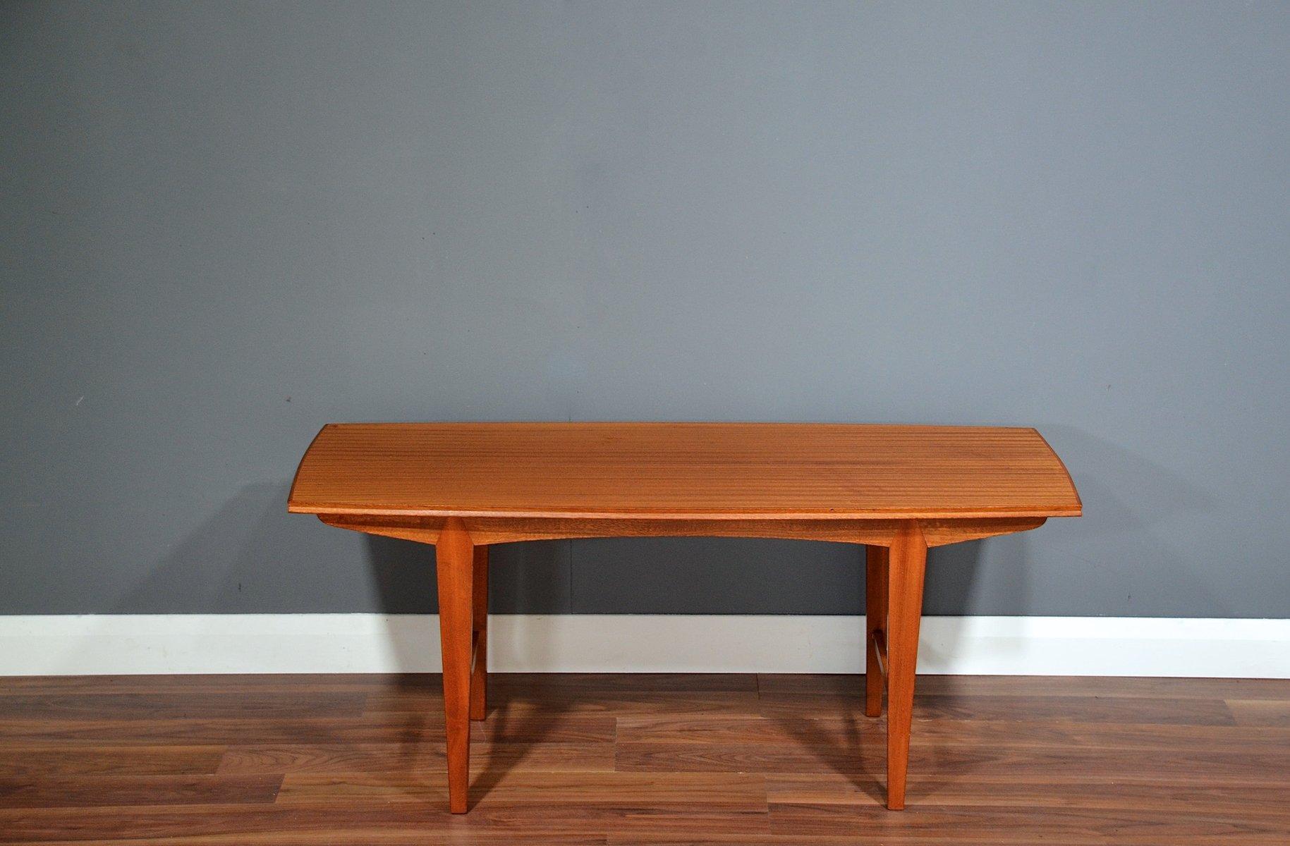 Mid Century Walnut Coffee Table From Vanson Bei Pamono Kaufen
