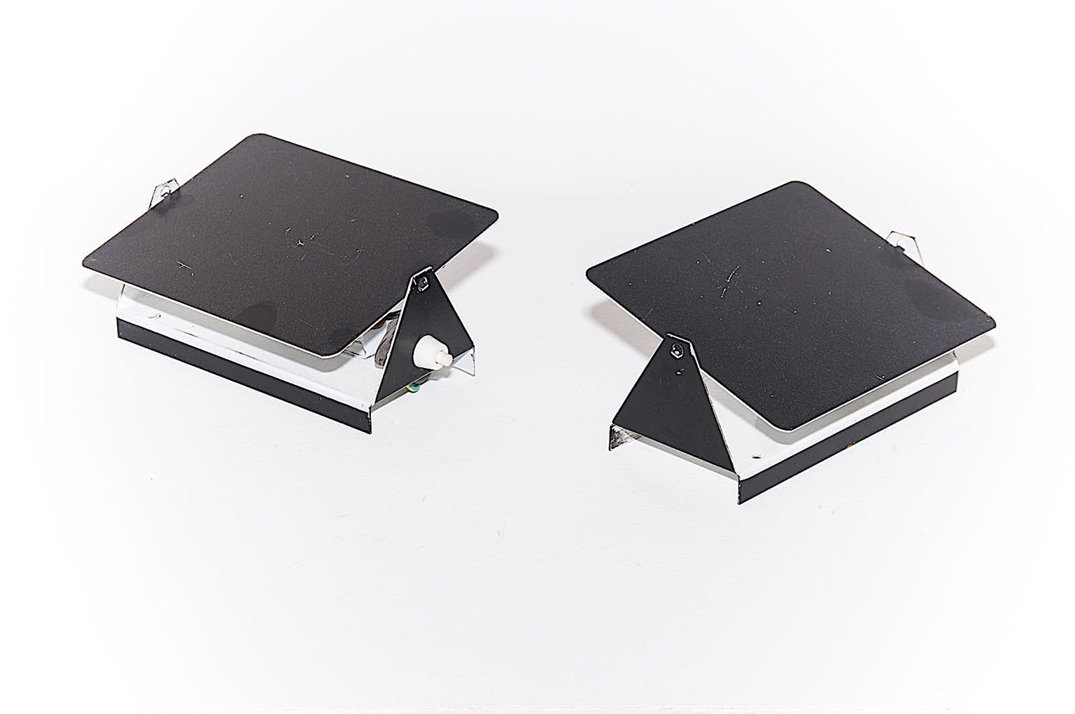 Schwarze Modell CP1 Wandleuchten aus Metall von Charlotte Perriand für...