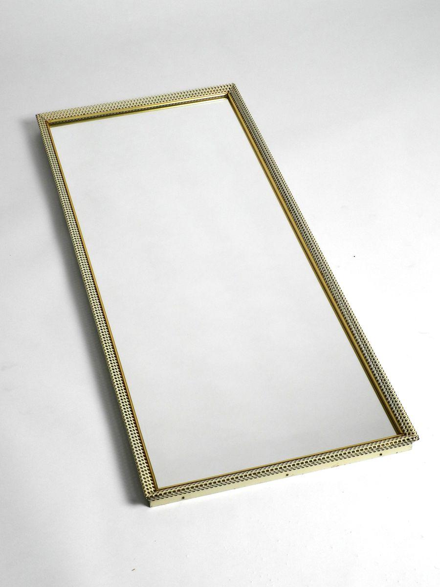 gro er spiegel mit rahmen aus lochblech von vereinigte werkst tten 1950er bei pamono kaufen. Black Bedroom Furniture Sets. Home Design Ideas