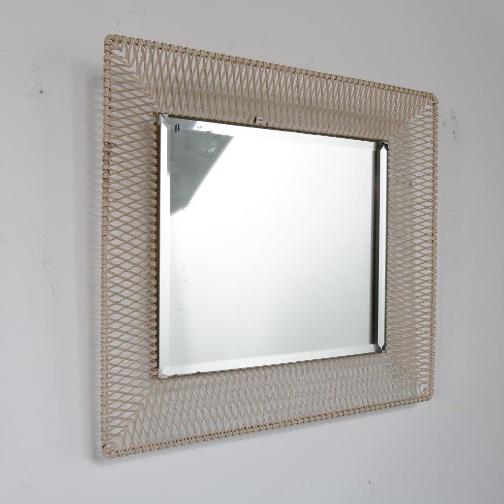 spiegel mit rahmen aus lochblech 1950er bei pamono kaufen. Black Bedroom Furniture Sets. Home Design Ideas