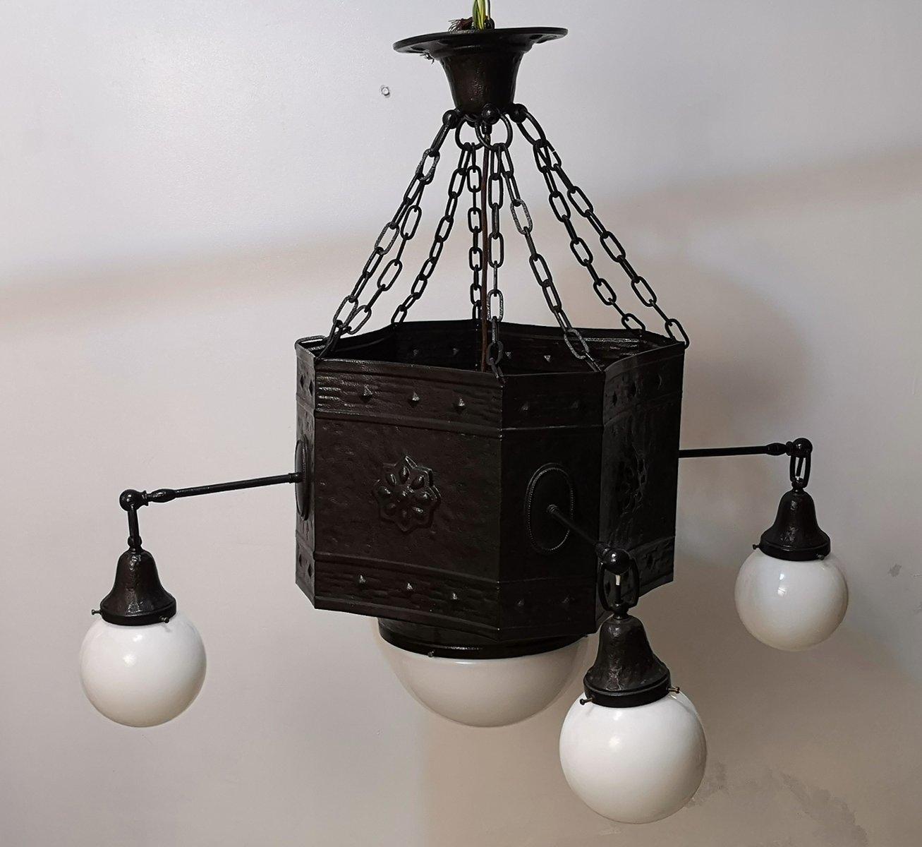 Große antike Deckenlampe