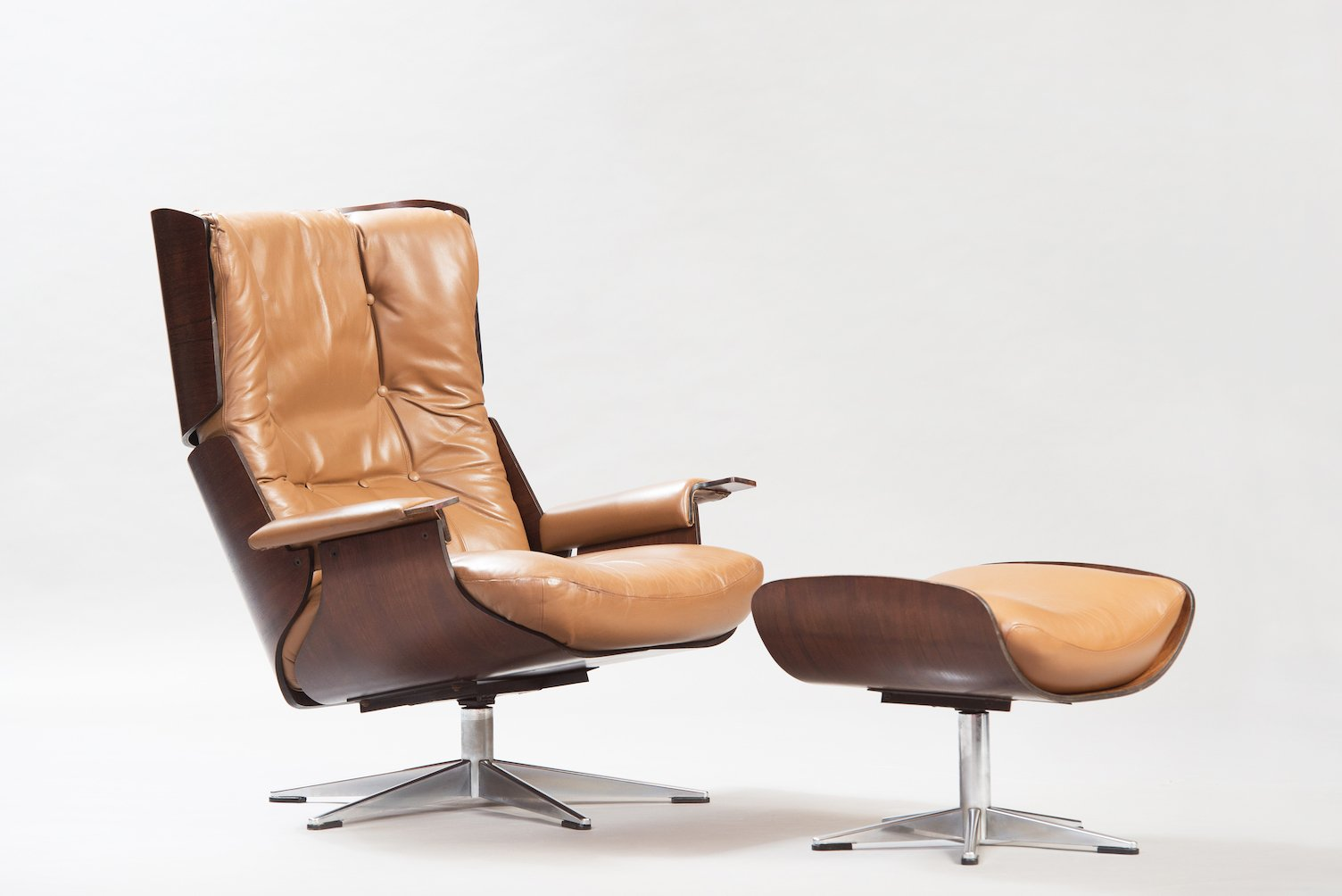 Mid Century Modern Rosewood Swivel Lounge Chair With Ottoman