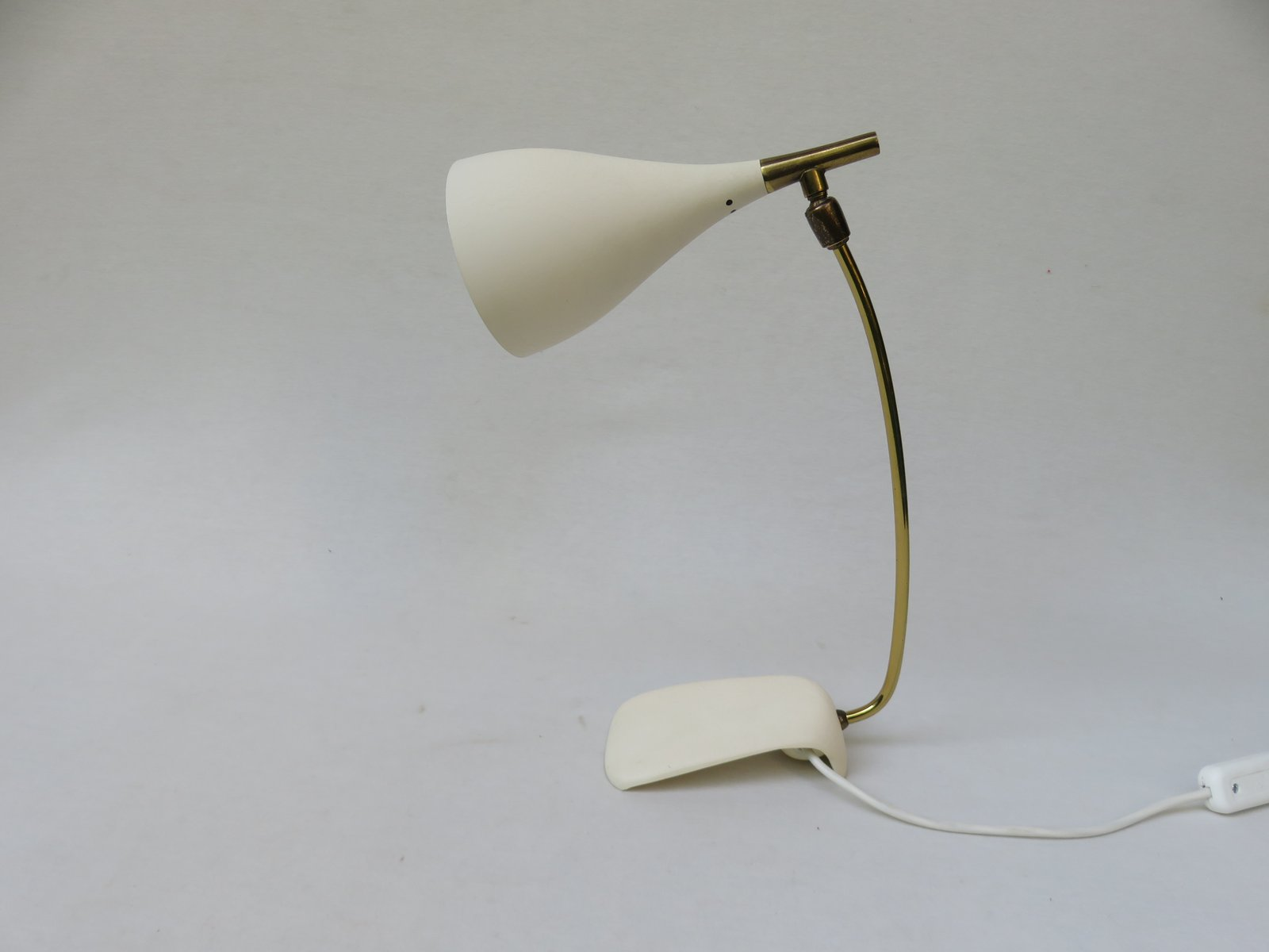 Weiße Tischlampe von Louis Kalff für Philips, 1950er