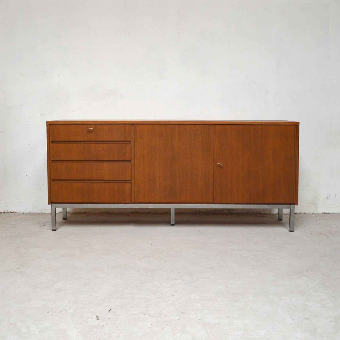 Sideboard auf Metallfüßen, 1960er